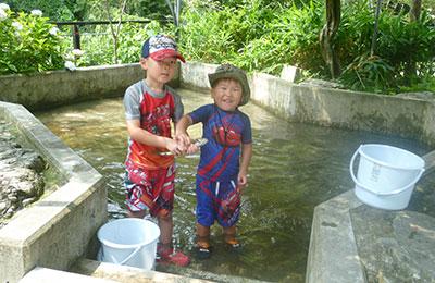 ご要望にお答えしてつかみどり池をオープンいたしました!